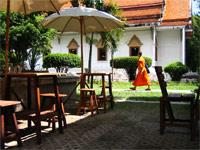 Pun Pun restaurant, Wat Suan Dok