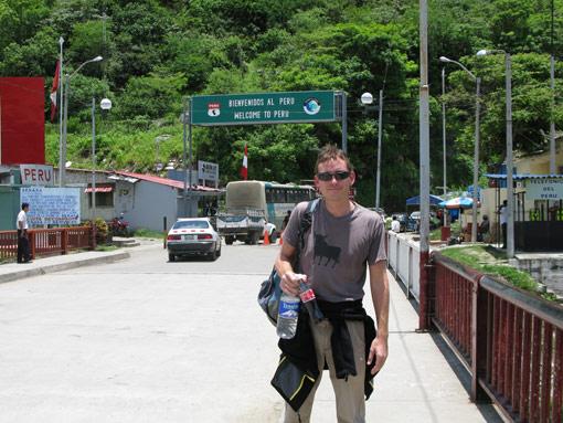 Peru Ecuador border crossing - La Tina & Macara